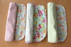 BLANKET STITCHED BURP CLOTHS TUTOR