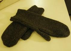 Sewing Projects: Felted Wool Mitte