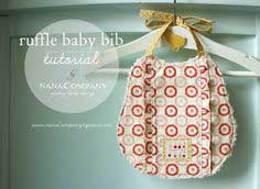 A ruffle baby bib tutorial :: by nanaCompany