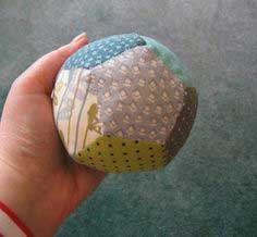 The Pentagon Balls Up ? Or the Patchwork Ball Tutorial