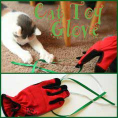 Kids Crafts: Cat Glove Toy