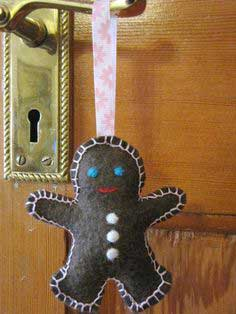 Felt Gingerbread Man Christmas Tree Hanging Ornament, Decoration Tutorial