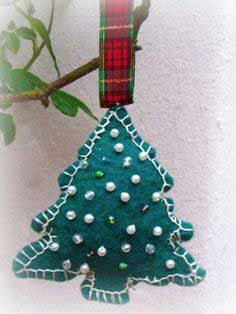 WIP Wednesday, Felt Christmas Tree Ornament Tutorial, Handmade Holiday 2010