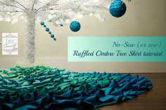 {no sew} Ruffled Ombre Tree Skirt Tutorial