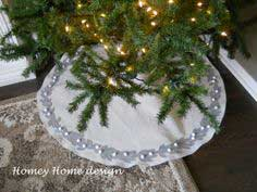 Christmas Tree Skirt Tutorial