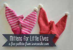 Free Pattern... Mittens for Little Elves {upcycle a sweater!}