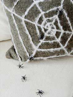 How to Make a Spider Web Pillow