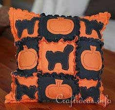 Halloween Textile Crafts - Halloween Pillow in Rag Quilt Style