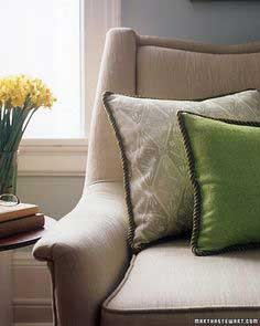 How To Make A Zippered Pillow With Piping