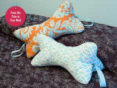 Last Minute Gift Pillows: Relaxing Neck Pillow