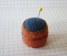 Sew Useful: Handy Dandy Bottlecap Pincushion