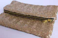 Lined Sequin Clutch With Zipper: a tutorial