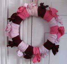 TUTORIAL :: WARDROBE CLEAN OUT WREATH