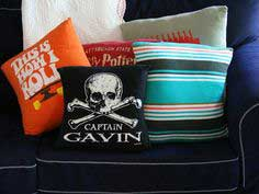 HOW TO MAKE THROW PILLOWS OUT OF OLD T-SHIRTS