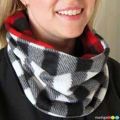 How to Sew a Reversible Cowl Scarf