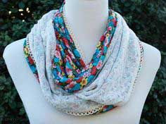 1 HOUR FLORAL AND LACE INFINITY SCARF