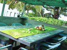 Hawaiian-Fern Table Runner