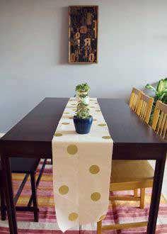 DIY GOLD POLKA DOT TABLE RUNNER