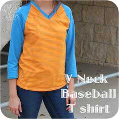 V-Neck Baseball (Raglan) T-shirt Free Pattern