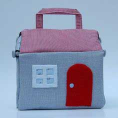 Fabric dollhouse tutorial
