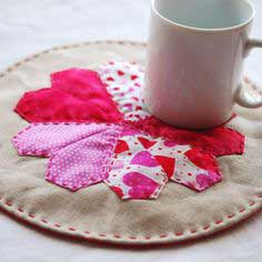 PROJECT // ENGLISH PAPER-PIECED HEART MAT