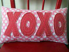 guest contributor: xoxo Valentine's day pillow