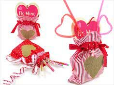 ScrapBusters: Heart-Themed Gift Bags with Side Ribbon Ties