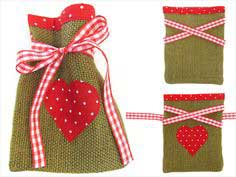 ScrapBusters: Heart-Themed Gift Bags in Burlap & Cotton