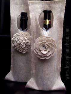 Make a No Sew Felt Wine Bag / Wrap {An Inexpensive Hostess Gift}