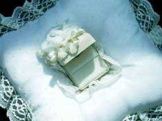 Free Directions to Sew a Wedding Ring-bearer Pillow with Attached Ring Box